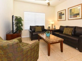 7514PW. 2 Bedroom 2 Bath Oakwater Resort Townhome, KISSIMMEE FL