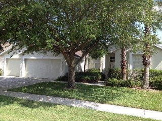 Spacious 4 Bedroom 3 Bathroom Pool Home in a Golfing Community. 111NW