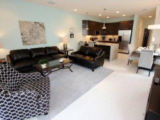 17325SB. Classy 3 Bedroom 3 Bath Town Home near Disney