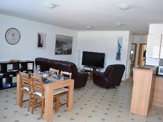 Recently renovated fully-furnished apartment, 5 min from Ramstein US Air Base