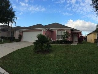 4 bed / 3 bath Relaxing Villa with private pool near Disney