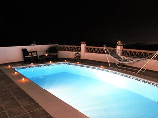 Villa with swimming pool with great Sea Views and Sierra Nevada mountains