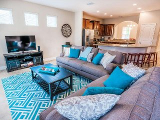Luxurious 6 Bed 4.5 Bath Pool Home In Solterra Resort. 4147OD.