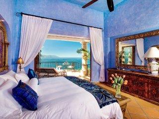 3 br Colonial Villa upper Conchas Chinas