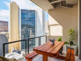 Self catering apartment in the heart of Cape Town, situated in Long Street