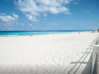 #Oceanfront Gorgeous Condo Sleep 5- Steps from Amazing Beach in Best Location!!