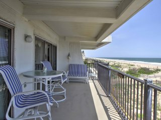 Cozy Ocean City Condo w/Balcony-Steps to Beach!