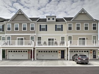 Ocean City Townhome w/ Pool & Marina Access!