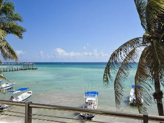 COME AND STAY WITH US! 15% REDUCTION -  Oceanfront 2bdr Condo (OP12)
