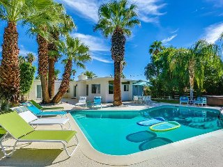 3BR Oasis w/ Pool, Hot Tub, Large Private Backyard & Casita