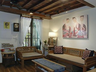 Chiang Mai Old Town City  Sunday Walking Street Private Entire Townhome