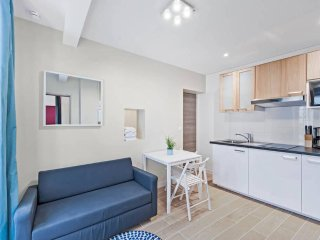 Freshly Renovated 1 Bed for 3. Close to Bastille