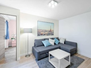 Gorgeously Renovated 3 Bedroom close to Bastille