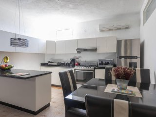Central & Comfortable Flat with a private terrace! 10 Minutes walk to the beach!