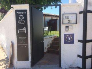 ALBERGUE - HOSTEL EN EL CAMINO SANTIAGO EN OBANOS (NAVARRA)