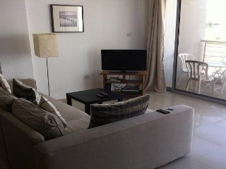 Homely 2 bedroom flat with seaview