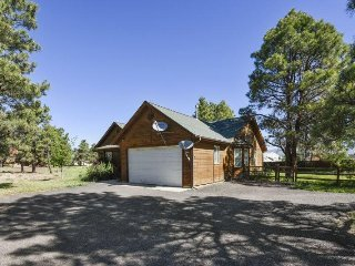 Steamboat is a 3 bedroom vacation home in Pagosa Springs offering a central