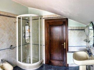 stanza privata con bagno condiviso