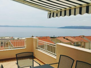 Magnificent thre rooms apartment Makarska