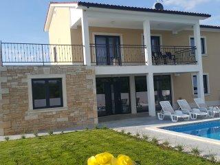 Rural villa for 14 people