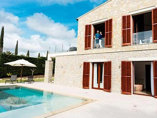 Villa 7 pax in Canyamel- MALLORCA- 4 bedrooms. Modern BBQ Private pool. Garden -