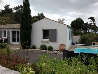 Villa 4/6 Personnes, piscine privee, clim, 3 chambres, parking privee