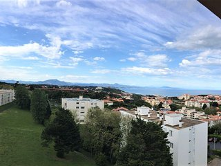 Best view apartment with 4 bedrooms in Biarritz