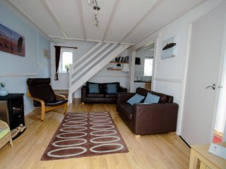 Grooms Cottage, Near Tenby with indoor swimming pool