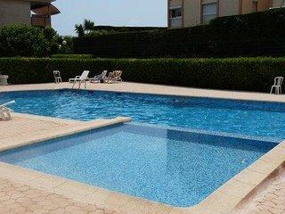 Spacieux 3 pieces au calme, terrasse et piscine