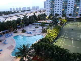 Large 1 Bedroom Bay View apartment OR610