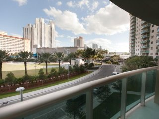 Large 1 Bedroom Park View * Ocean Reserve OR-323