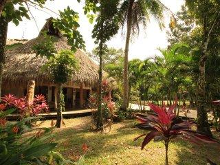 Preciosa Casa en Rio Dulce