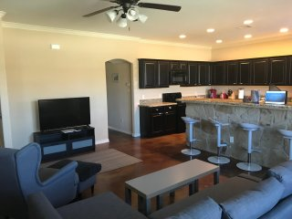 College Station New Townhouse Close to TAMU