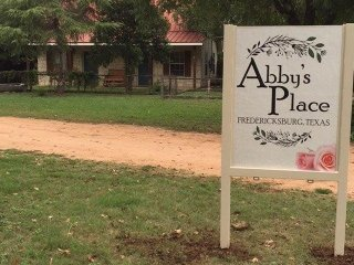 Abby's Place Suite 3 - Just a short drive to Main Street