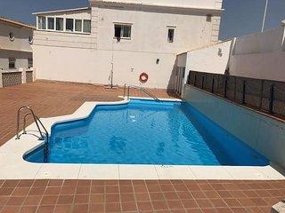 Dúplex con piscina en Los Lances