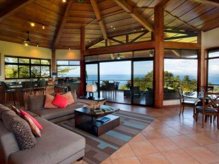 Casa Mirador - Spacious Family Villa w/ Ocean Views Inside Tulemar Resort