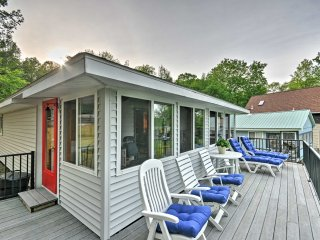 Oakland Cottage w/Deck - Right on McGrath Pond!