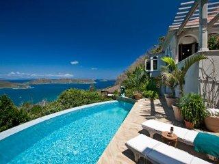 Villa Solemare-Exquisite Euro-inspired Vacation Villa in Coral Bay