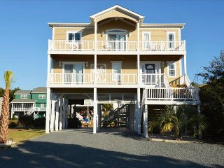 Sand Happens, REDUCED RATES canal front, elevator and hot tub, DOCK YOUR BOAT!