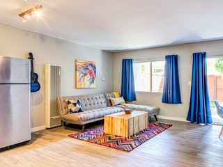 Santa Monica Loft Duplex,Renovated 3 Bed 2 Bath, 10 minutes to Beach & Promenade