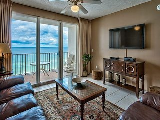 Beautiful, Two-Bedroom, Condo With Stunning Views of the Gulf of Mexico!