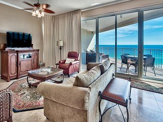 GULF VIEW Beautiful Beach Condo w/Balcony*Topsl Resort+Pool+Hot Tub+VIP Perks