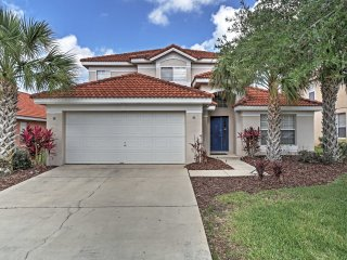 Davenport Villa w/ Private Pool - 15 Mi to Disney!