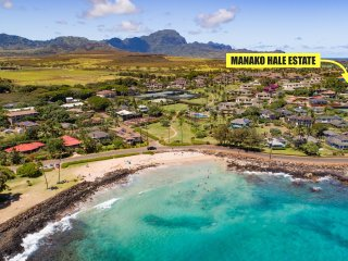 Manako Hale Estate- 5 minute walk to beach from this fully remodeled Hawaiian cottage with additional guest house! Sleeps 10
