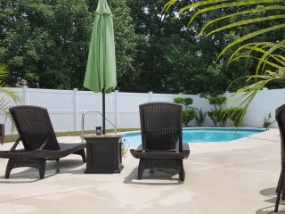 **4BR/3.5BA LUXURY NASHVILLE HOME..POOL..FREE WIFI