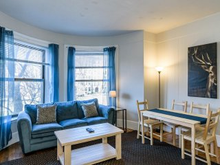 Beautiful Back Bay / 2BD