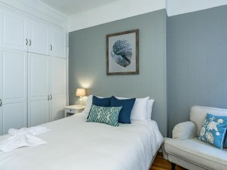 BACK BAY- Perfect One Bedroom!