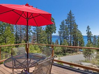Rim Drive - 3 BR w/ Beautiful Lake Views & Hot Tub - Sleeps 9