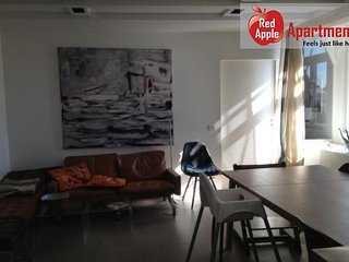 Modern 2 Bedroom Apartment In Old Town - 7461