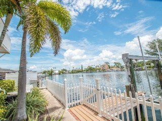 Sun Harbor #107 | Relaxing waterfront condo, great views!